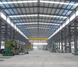 Profesional good quality prefab light weight low cost steel structure frame steel workshop with crane